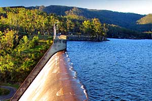 Tinaroo dam wall, Atherton Tablelands, Queensland, Australia